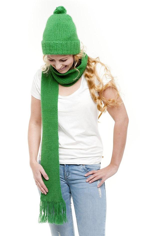Ručně pletené šály a čepice